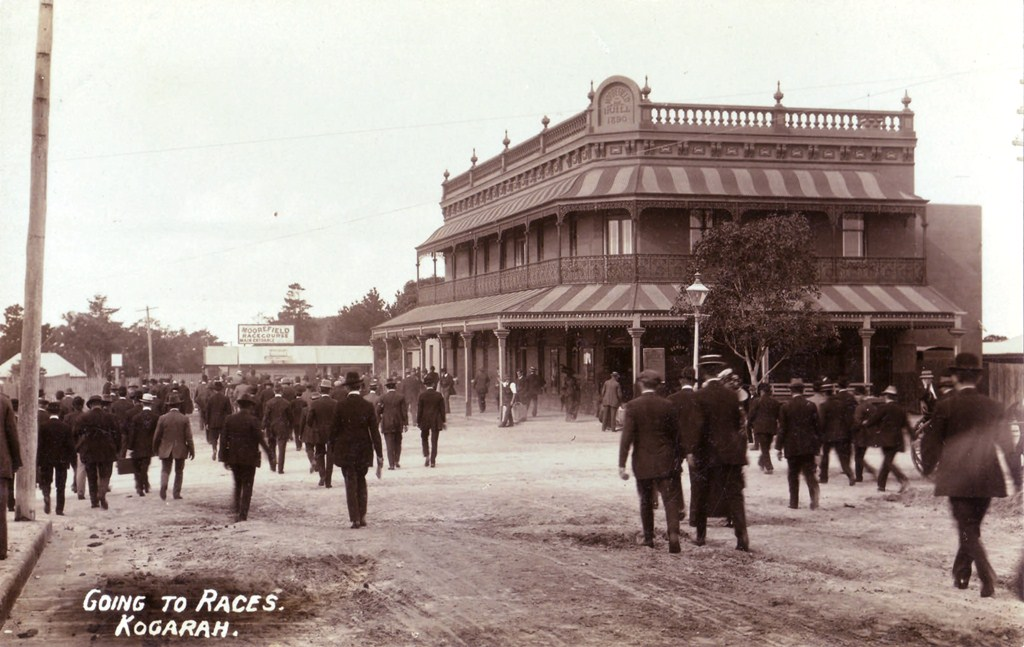 Going to the races, Moorefield Hotel c.1915. Georges River Council Local Studies collection.